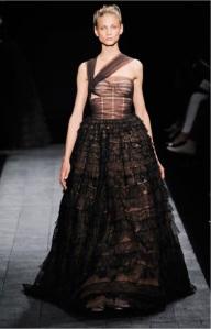 Valentino+Fall+2009+Couture+Anna+Selezneva-1