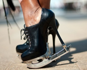 IceSkateShoes