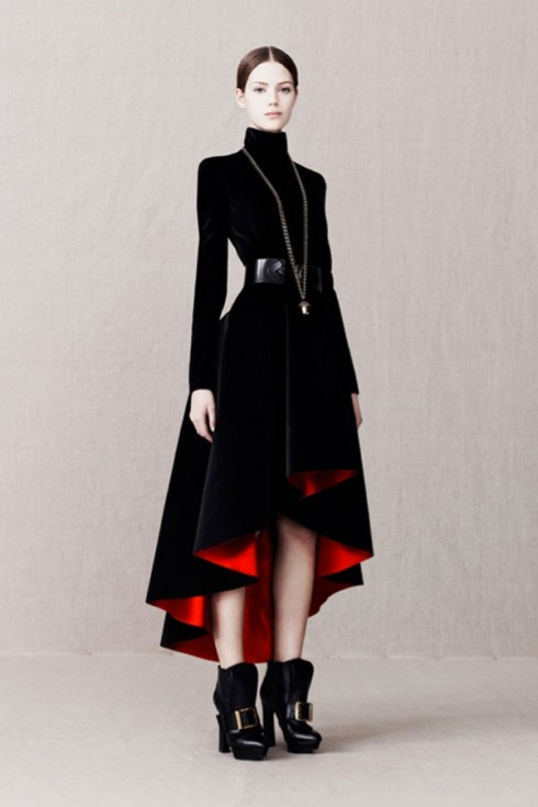 Alexander_McQueen_pre_Autumn_Winter_2013_on_Design_Hunter_8