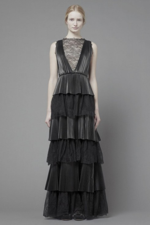 Maud-Welzen-and-Esther-Heesch-for-Valentino-Pre-Fall-2013-47-682x1024