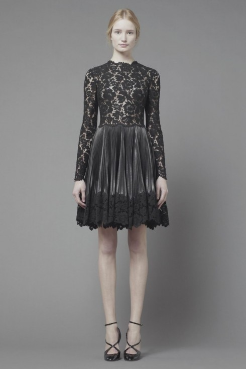 Maud-Welzen-and-Esther-Heesch-for-Valentino-Pre-Fall-2013-48-682x1024