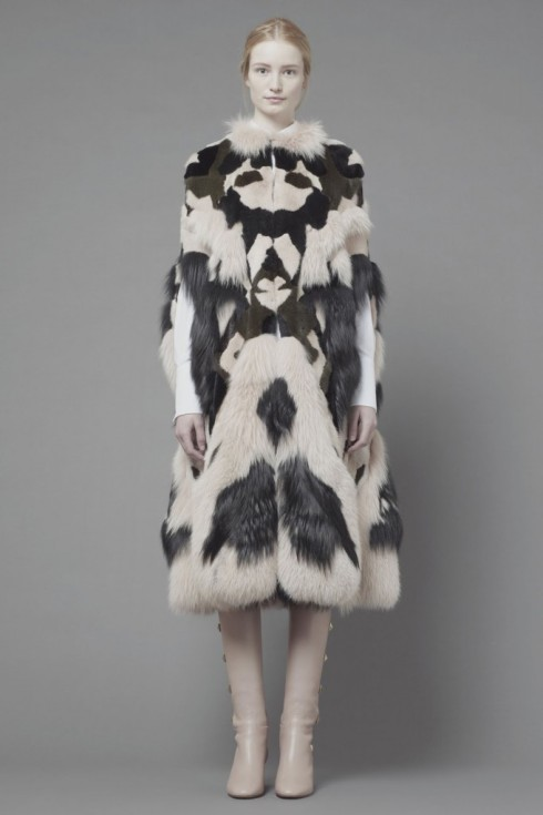 Maud-Welzen-and-Esther-Heesch-for-Valentino-Pre-Fall-2013-64-682x1024