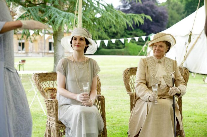 EMBARGOED_UNTIL_4TH_NOVEMBER_DOWNTON_EP8_47JPG-2682308